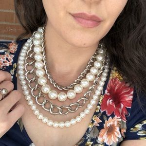 Faux pearl and chain necklace